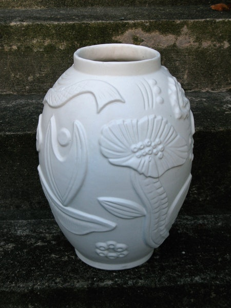white relief floor vase 208