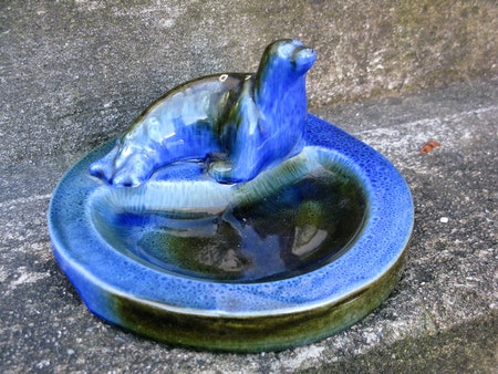 blue ashtray 98 with seal