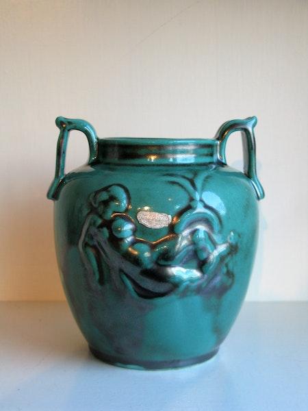 green vase 39