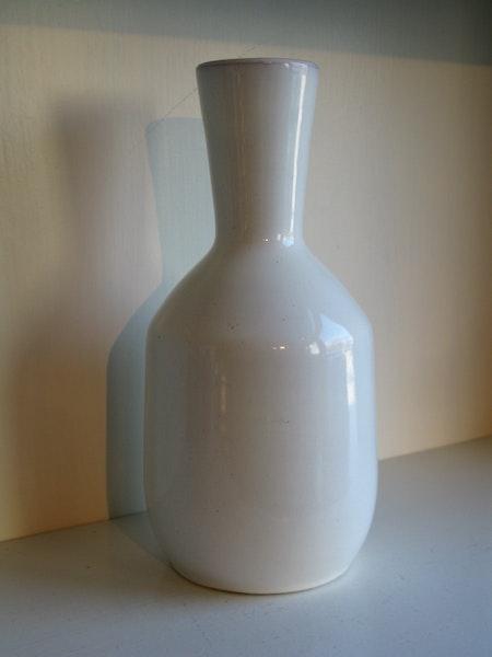 white vase 549