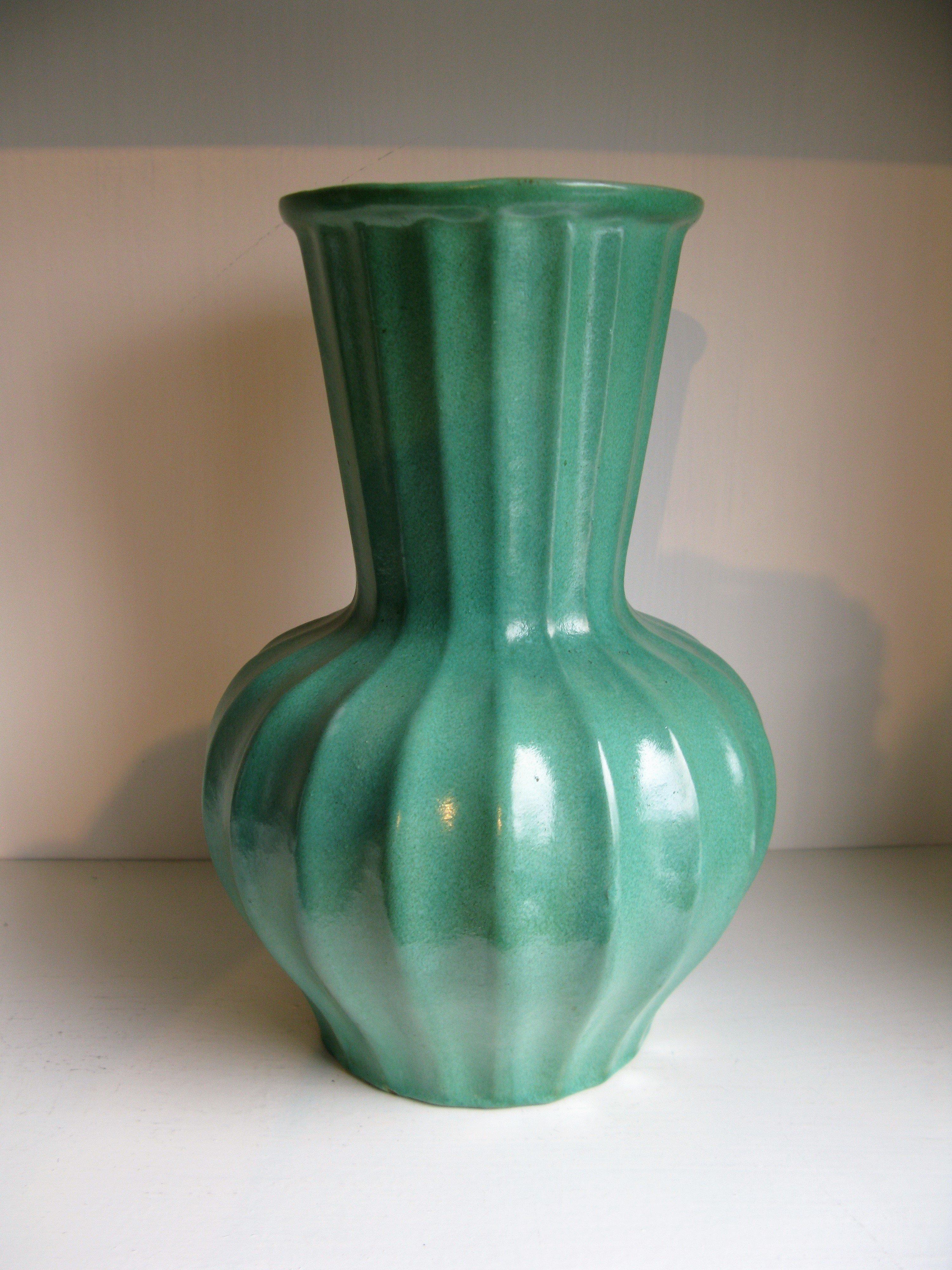 green vase g4
