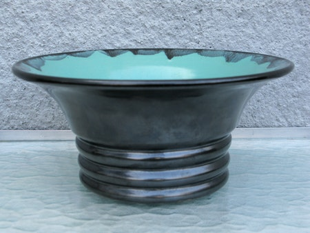 black/green bowl 136