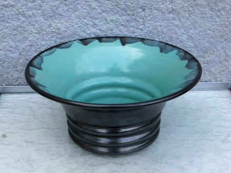 black/green bowl 136