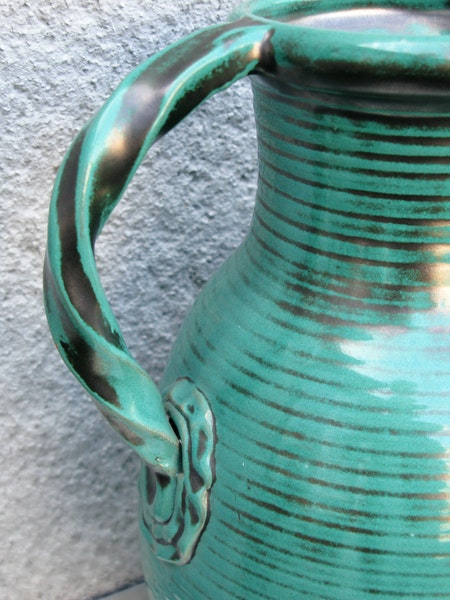 green vase 1588