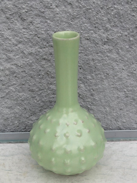green vase 712