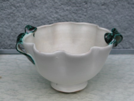 white/green bowl 93