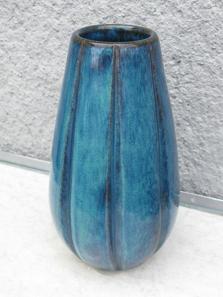 blueish vase 417