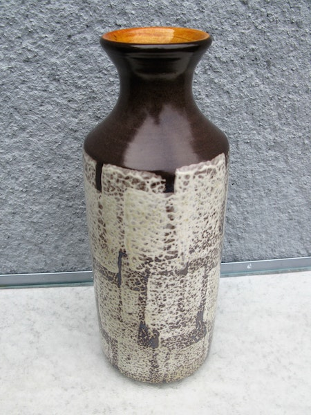 dark brown tina vase 4544