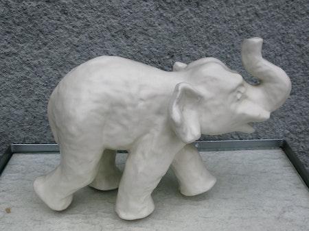 white elephant 64
