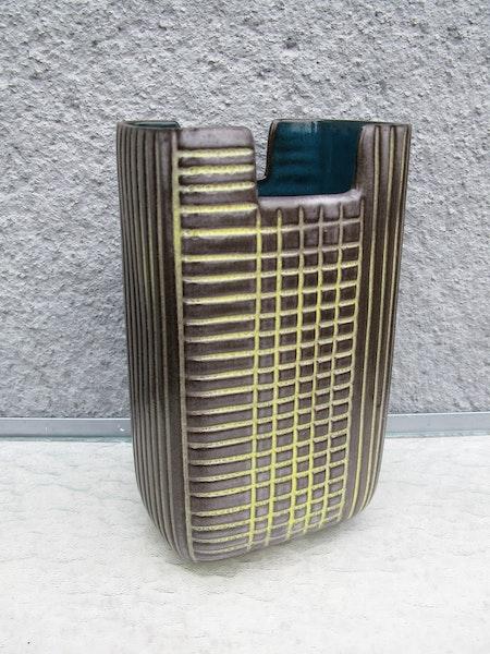 edfu vase 5253