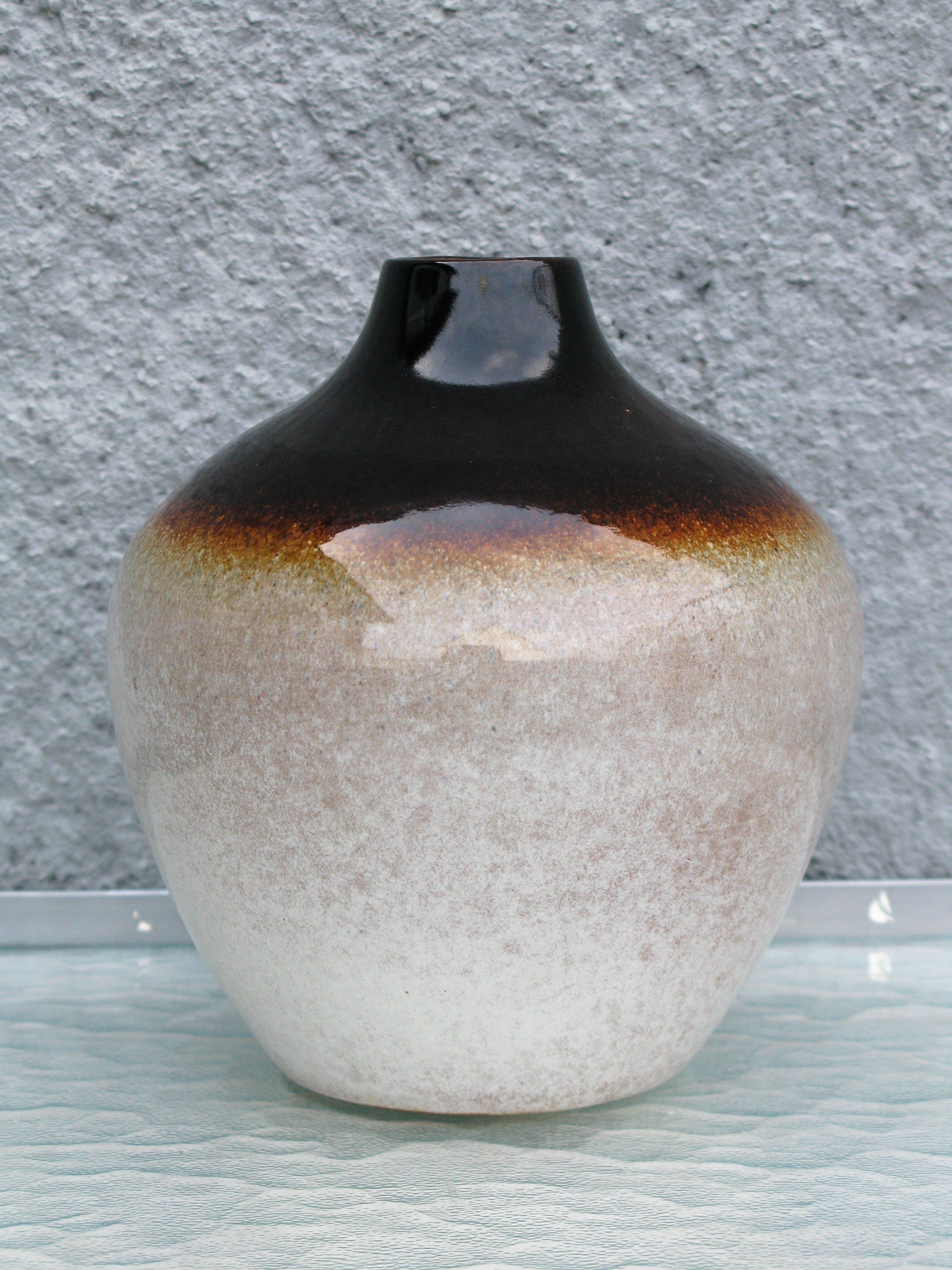 dark marianne vase 631