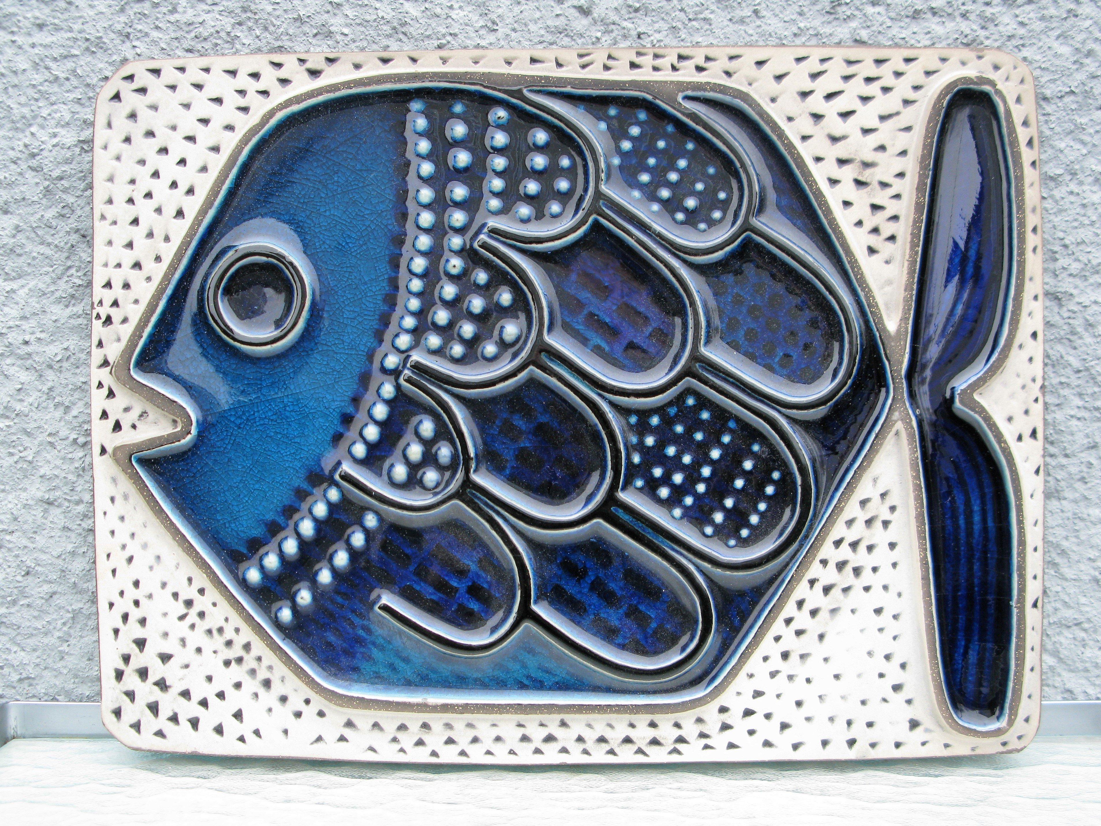 blue fish 8015