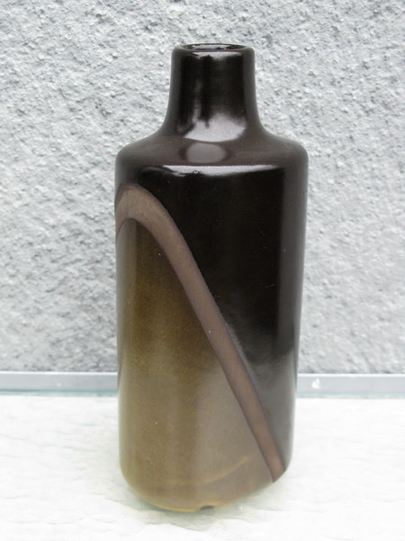 dark diagonal vase 5066