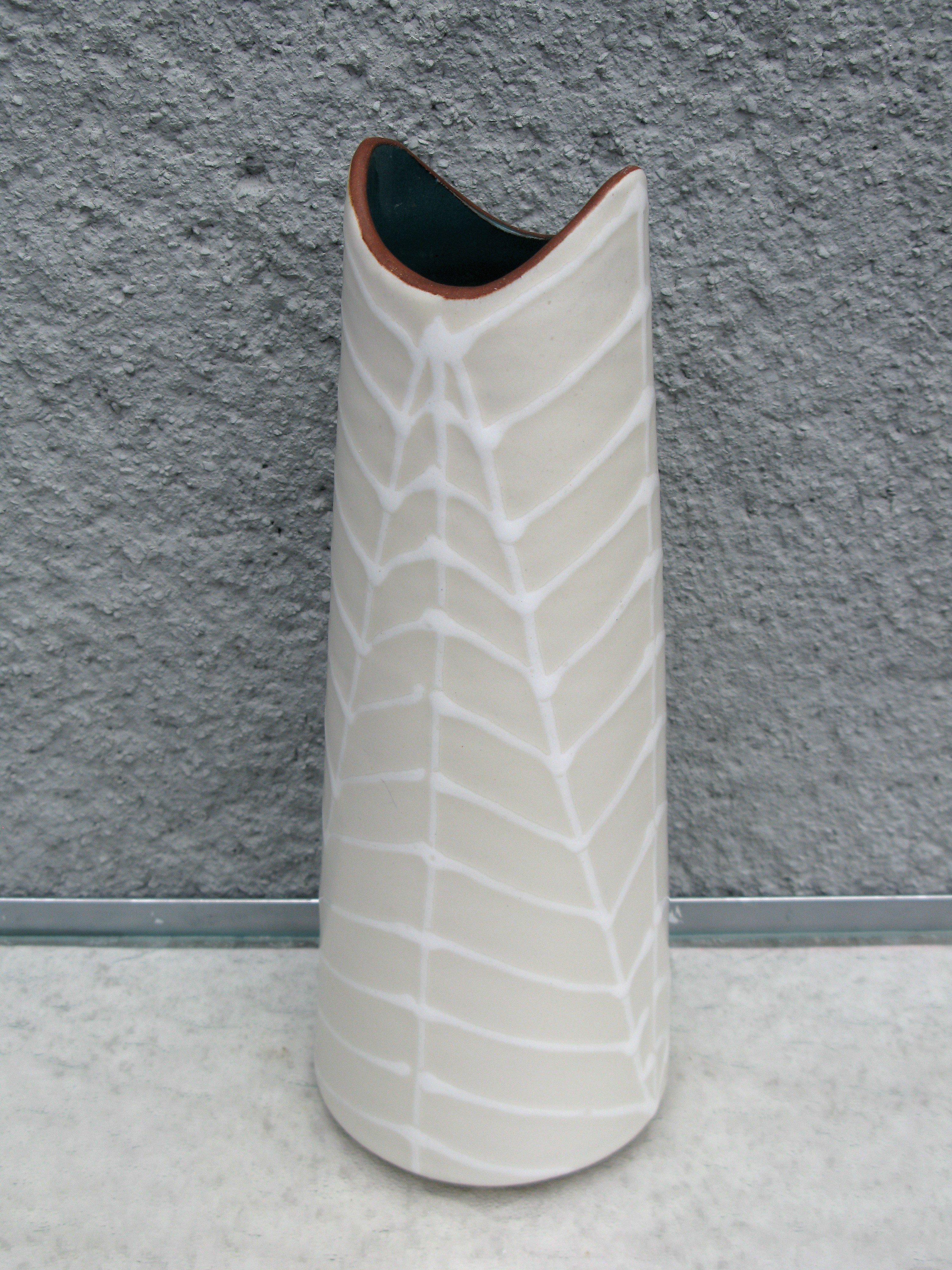 fossil vase 4098
