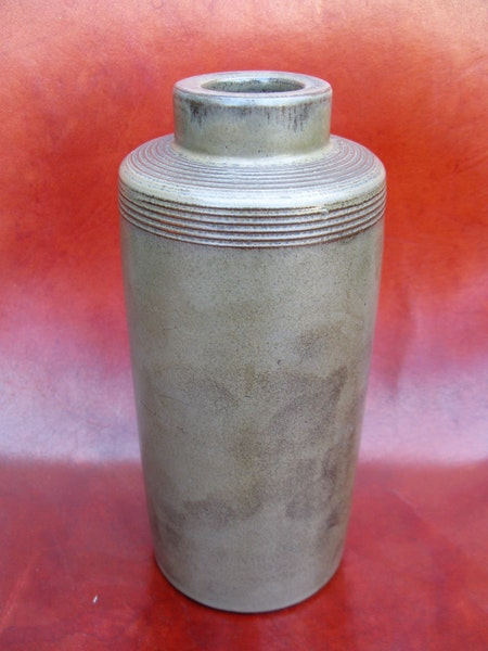 rare grey vase 255