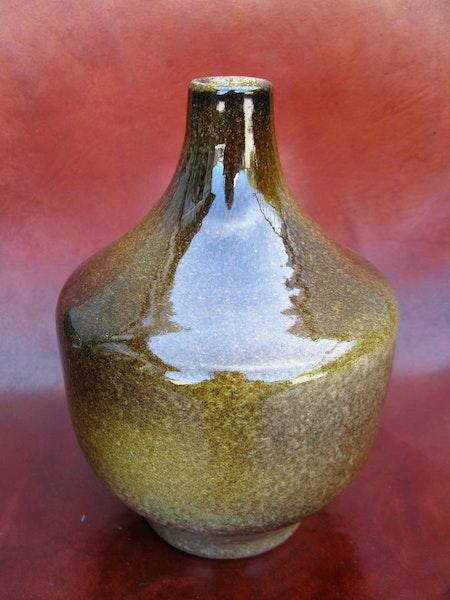 brownish vase 4009