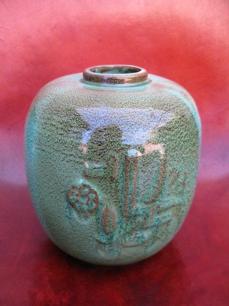 dark greenish vase k3