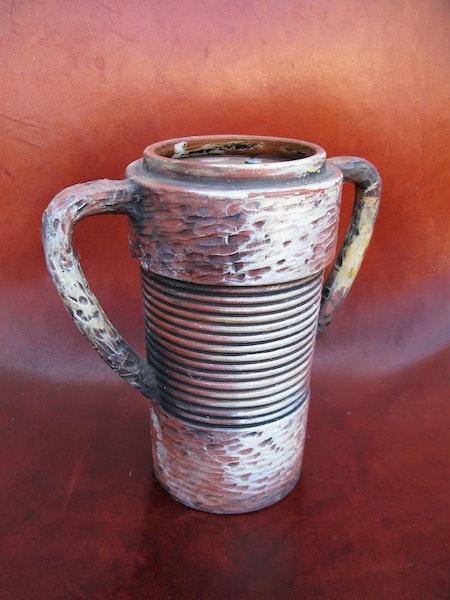 unique wallin vase w handles
