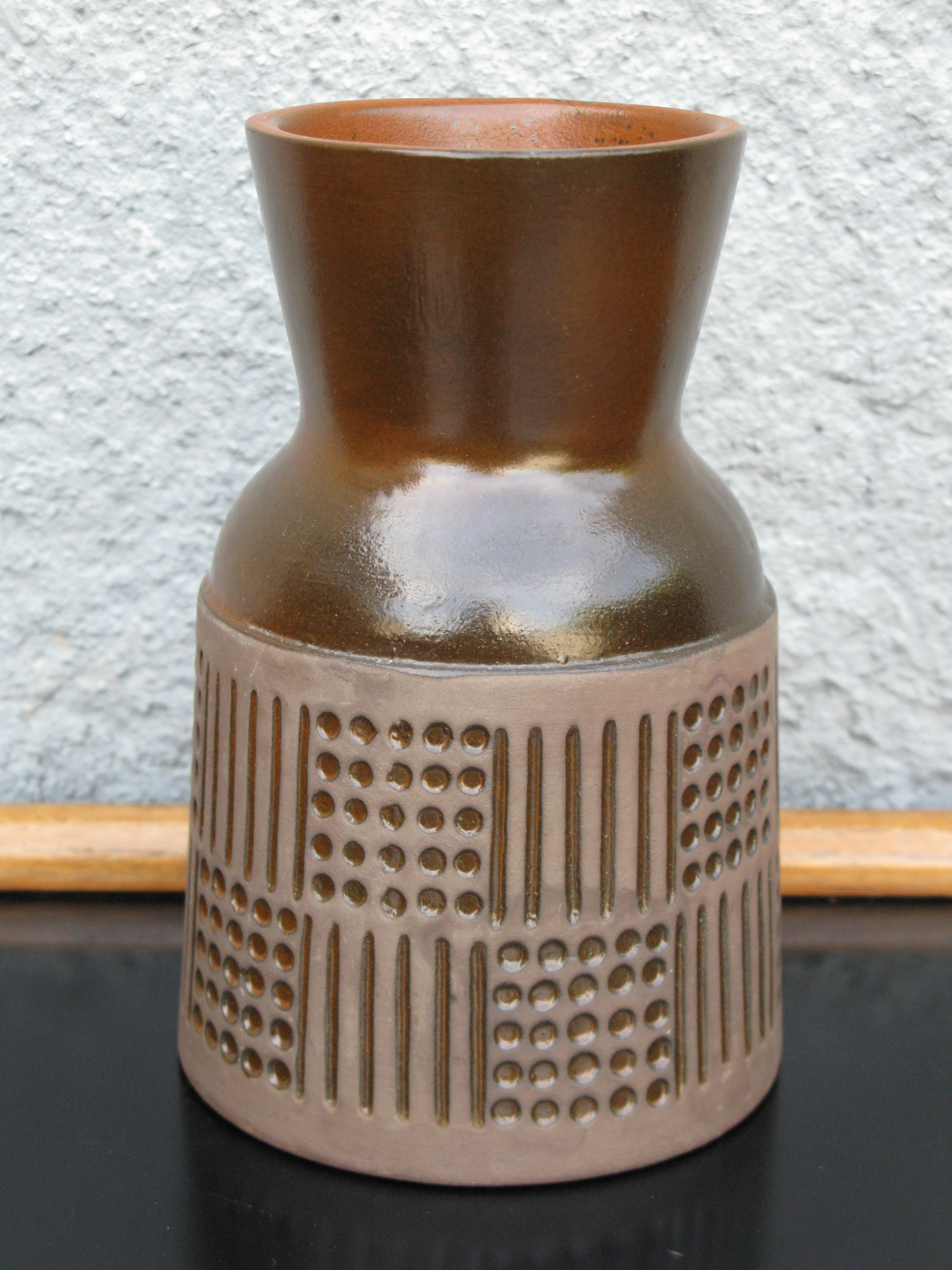 brown ruta vase 4565