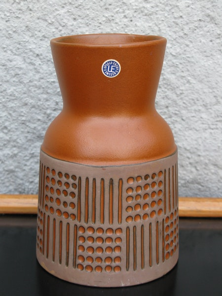 terracotta ruta vase 4565