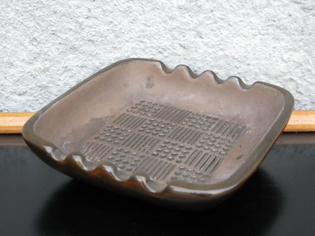brown ruta ashtray 4561