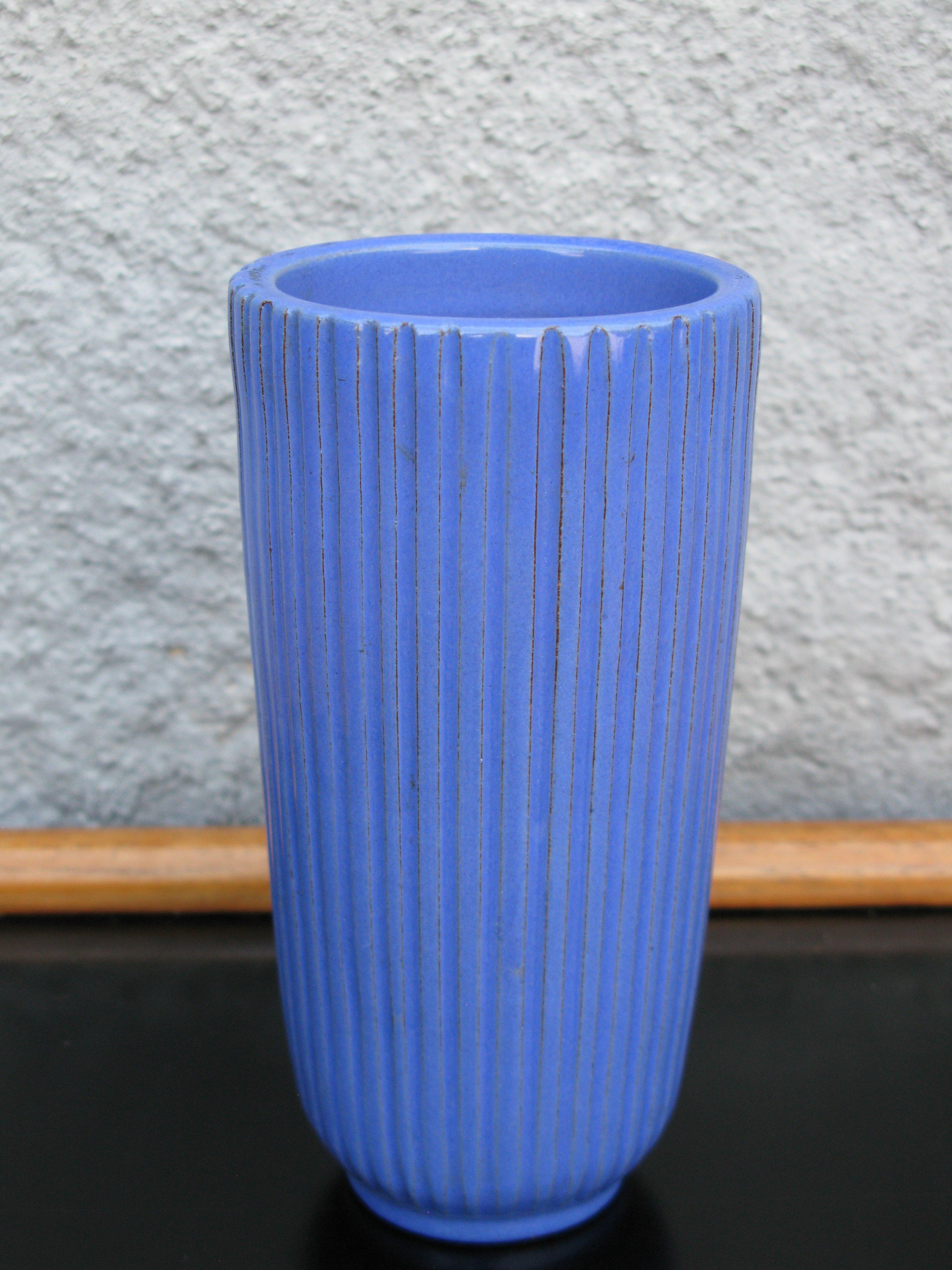 blue vase 463