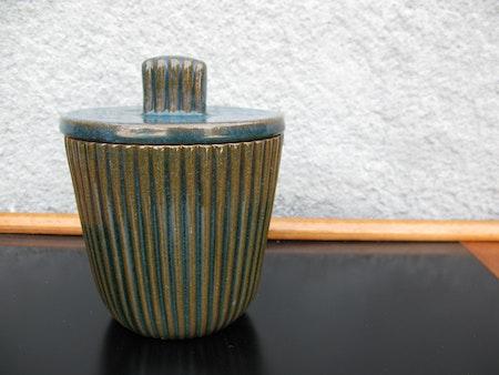 tobacco jar 13