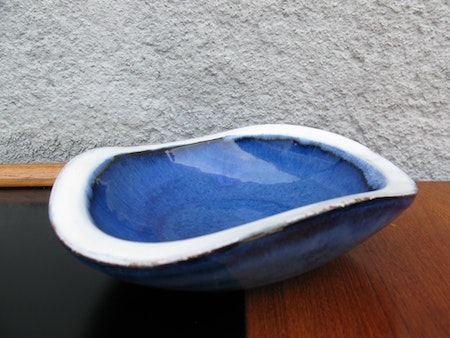 blue/white bowl 171