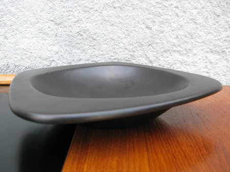 black ashtray 5110