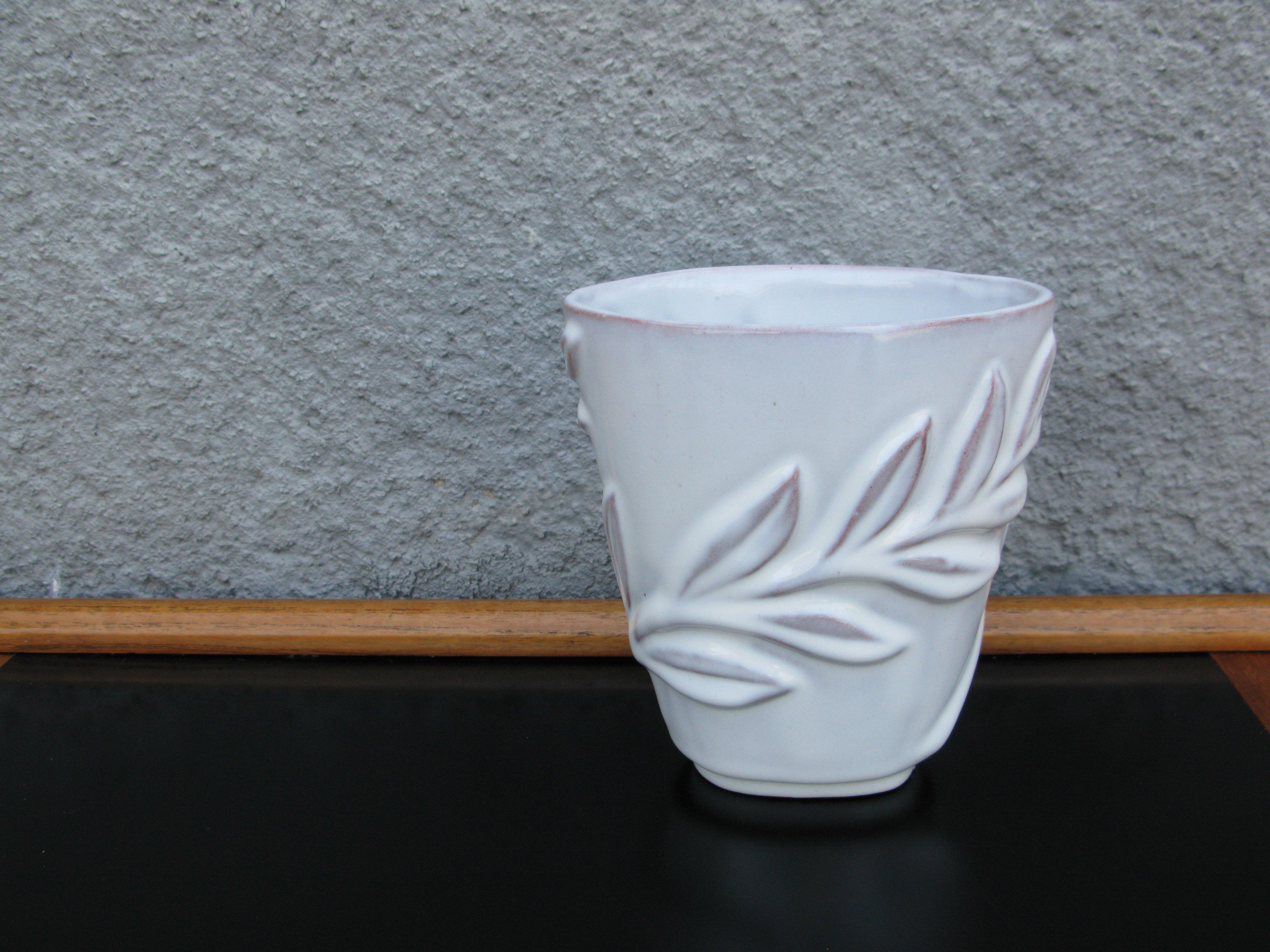 white vase 407
