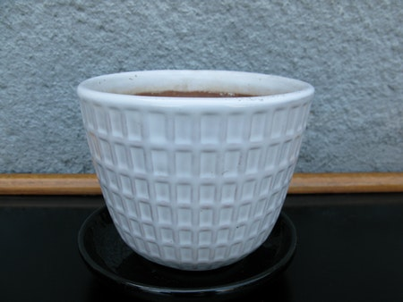 white gunilla flowerpot nr 3 item 4