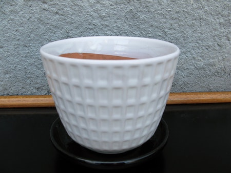 white gunilla flowerpot nr 3 item 6