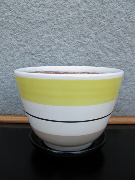 yellow striped svea flowerpot nr 4