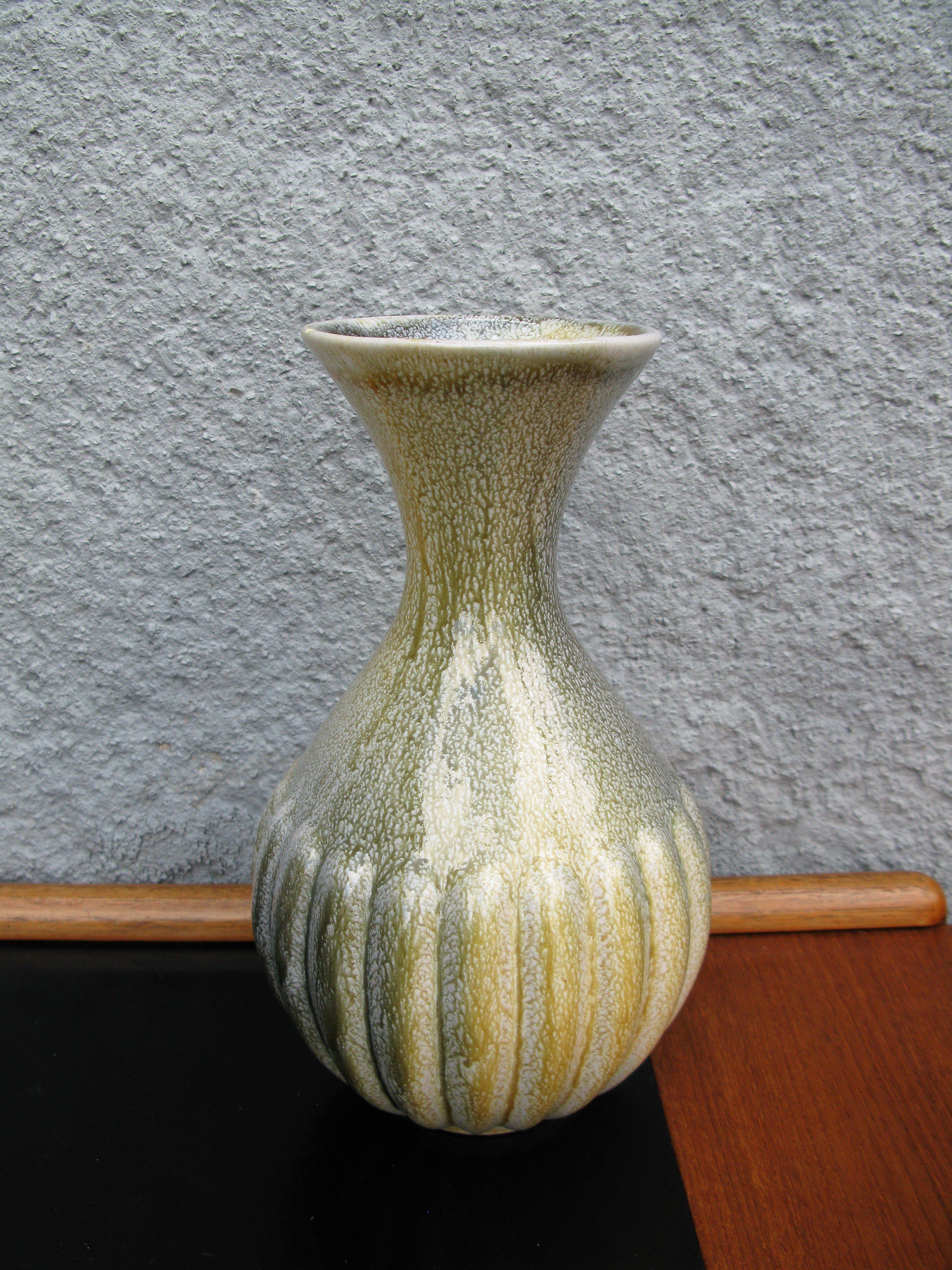 greenish vase 783