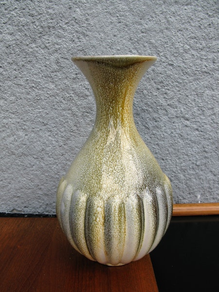 greenish vase 784