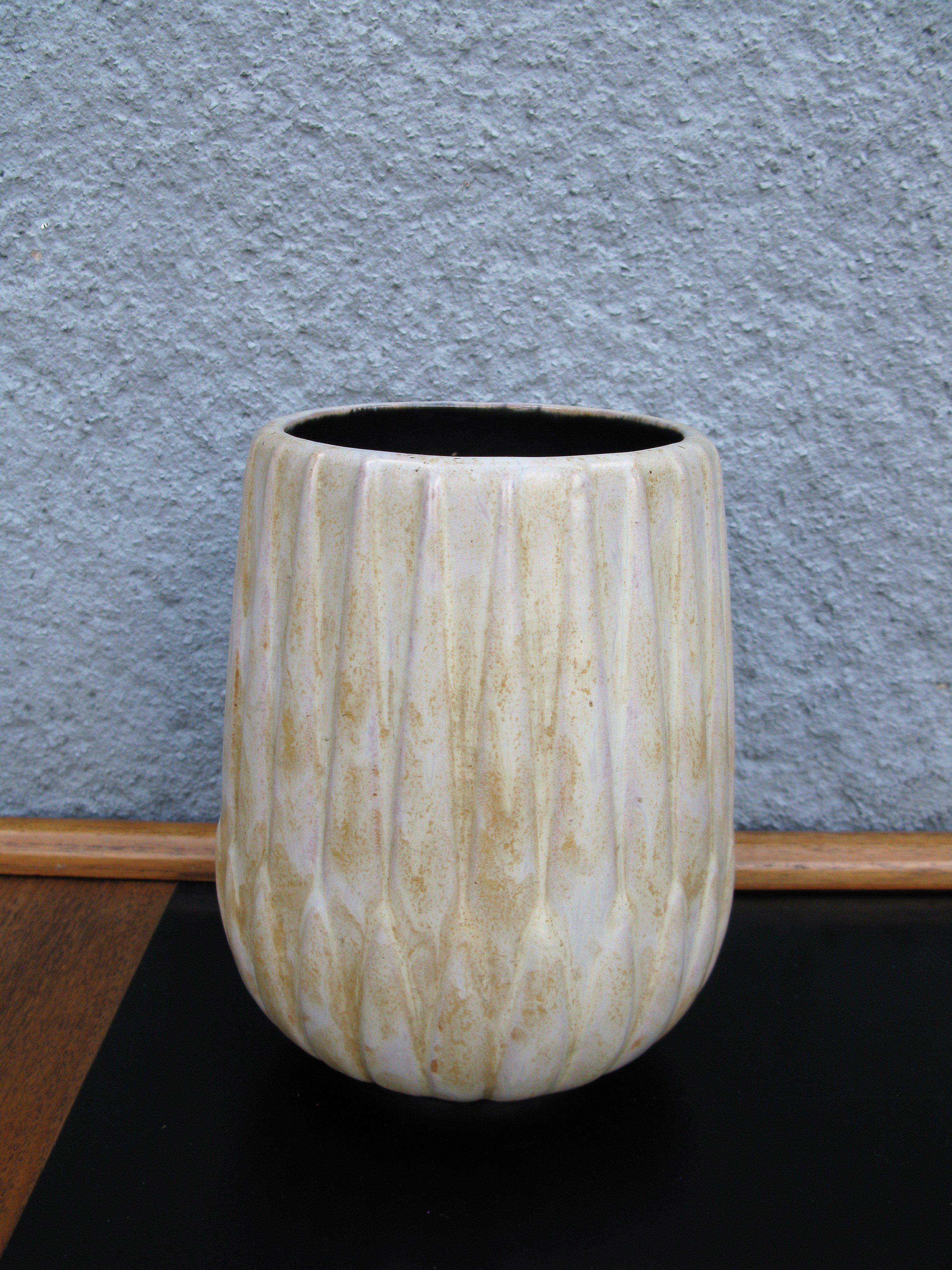 brownish vase 5033