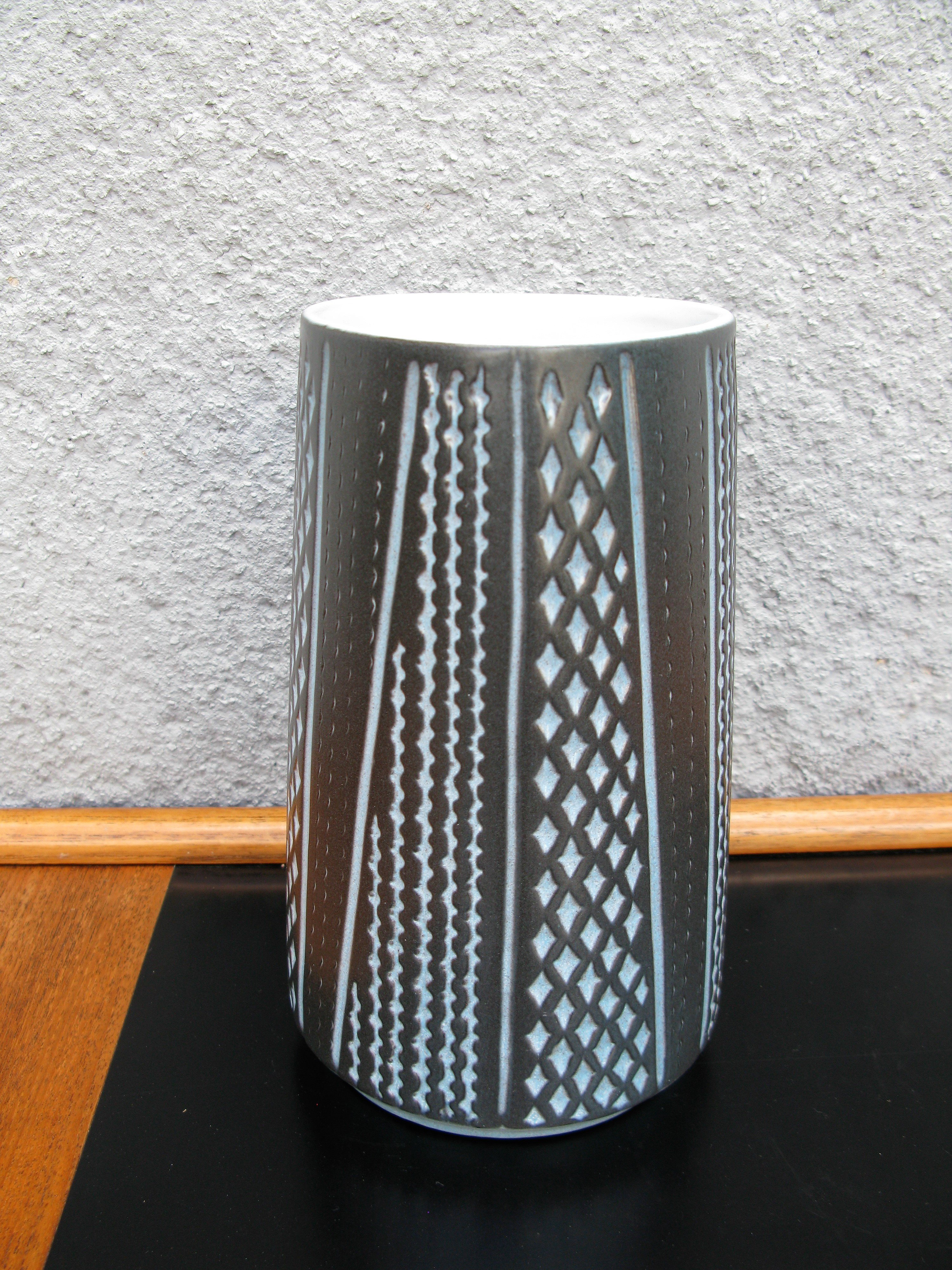 blue/grey vase 1034-138