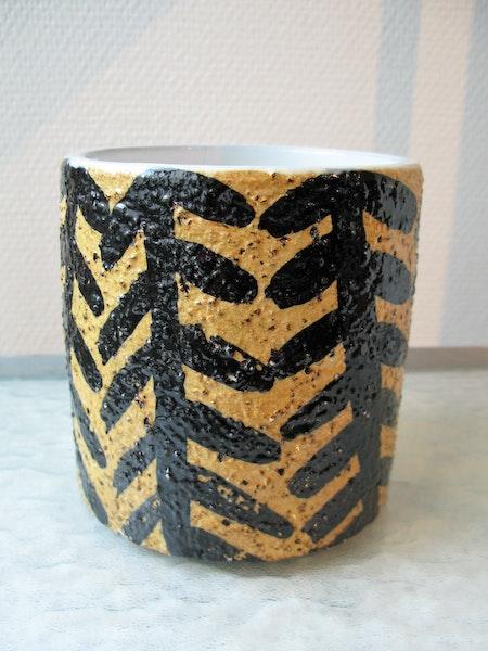 tiger vase 4400