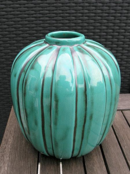 greeen vase 322