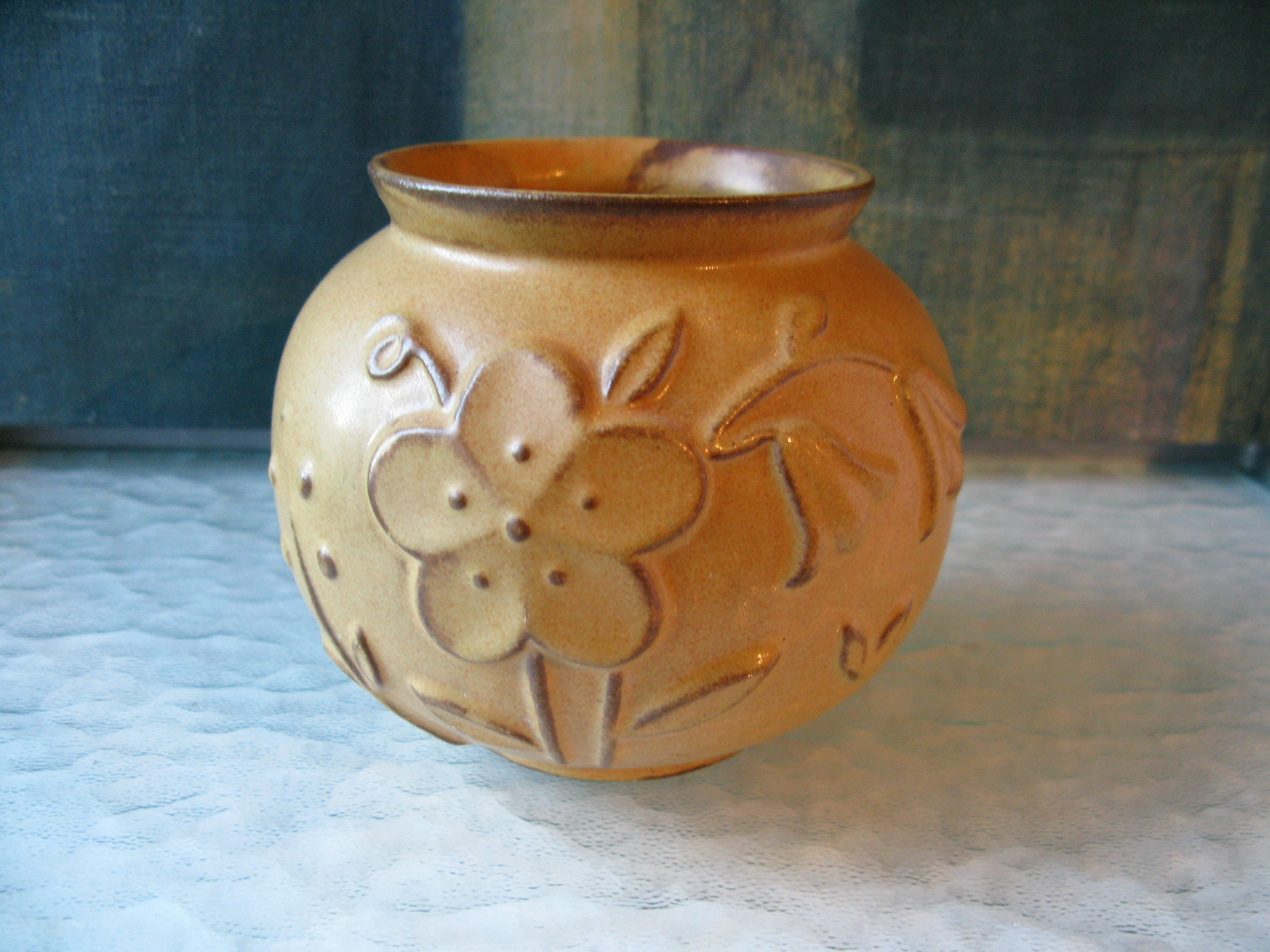 brownish vase 268
