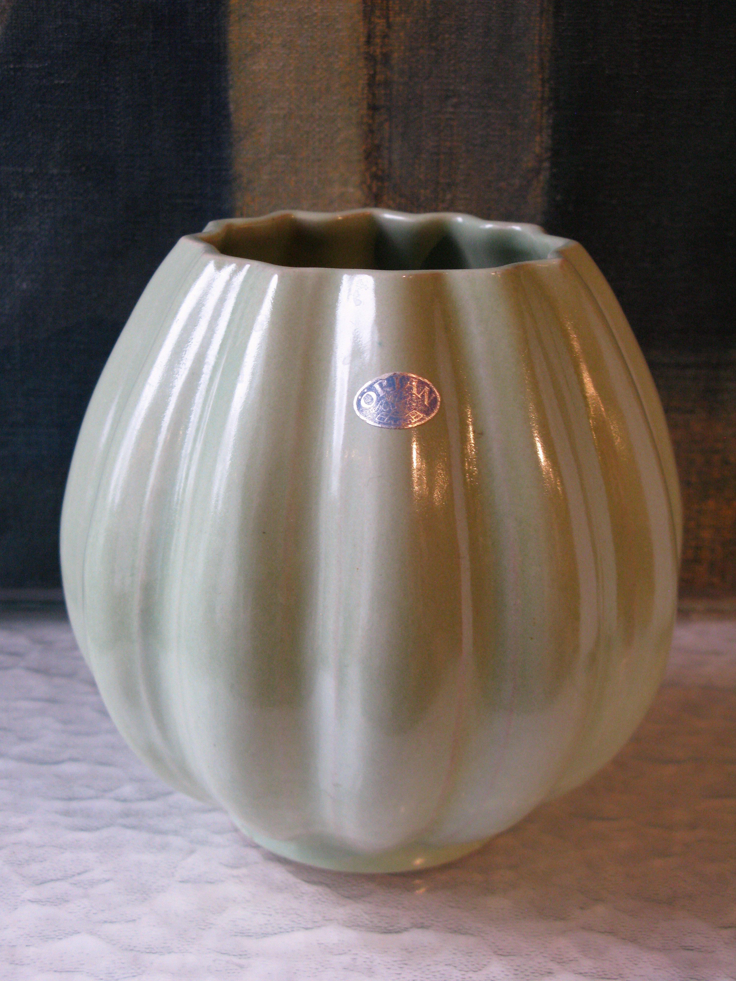 örjan green vase