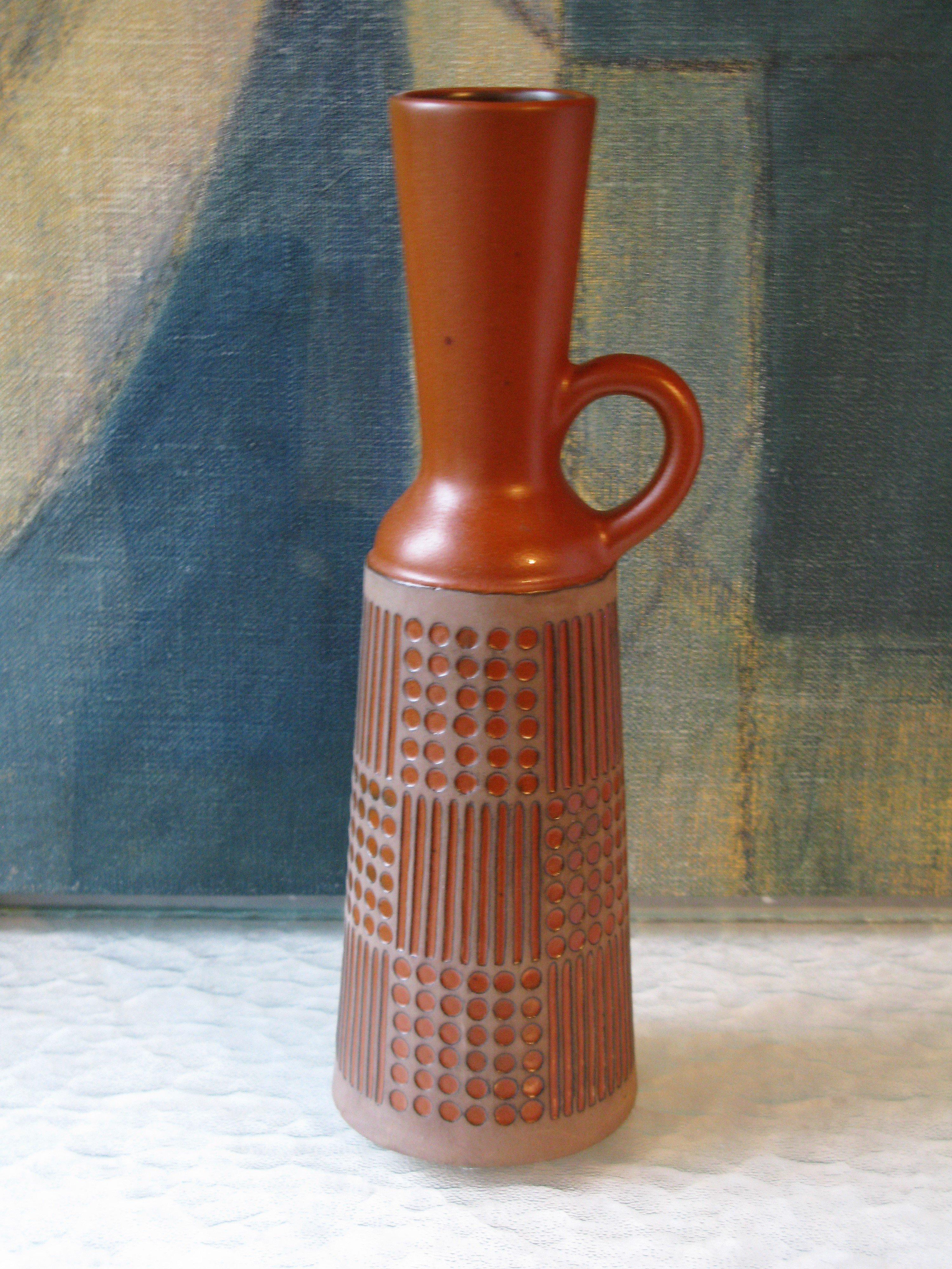 ruta terracotta vase 4564