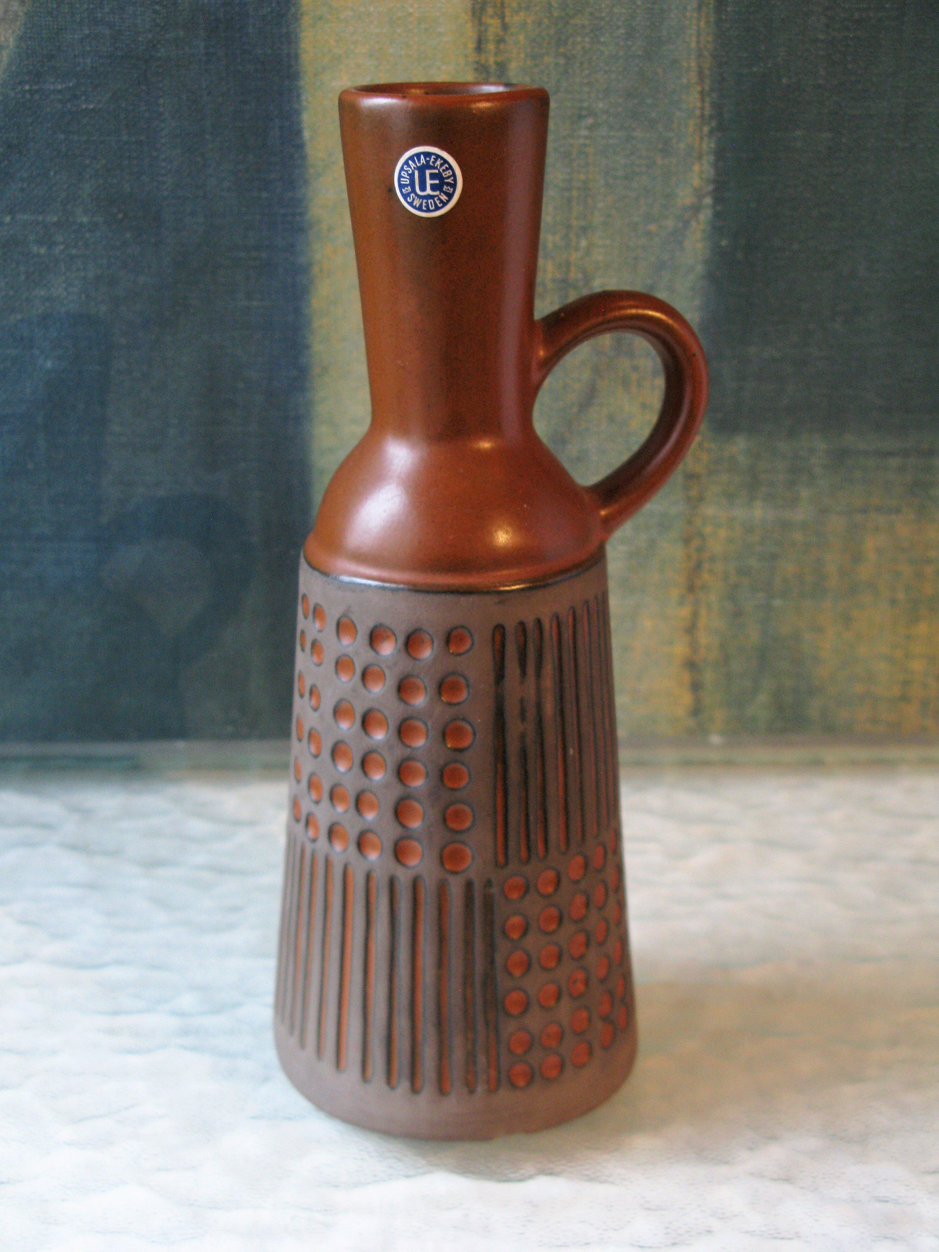 ruta terracotta vase 4563