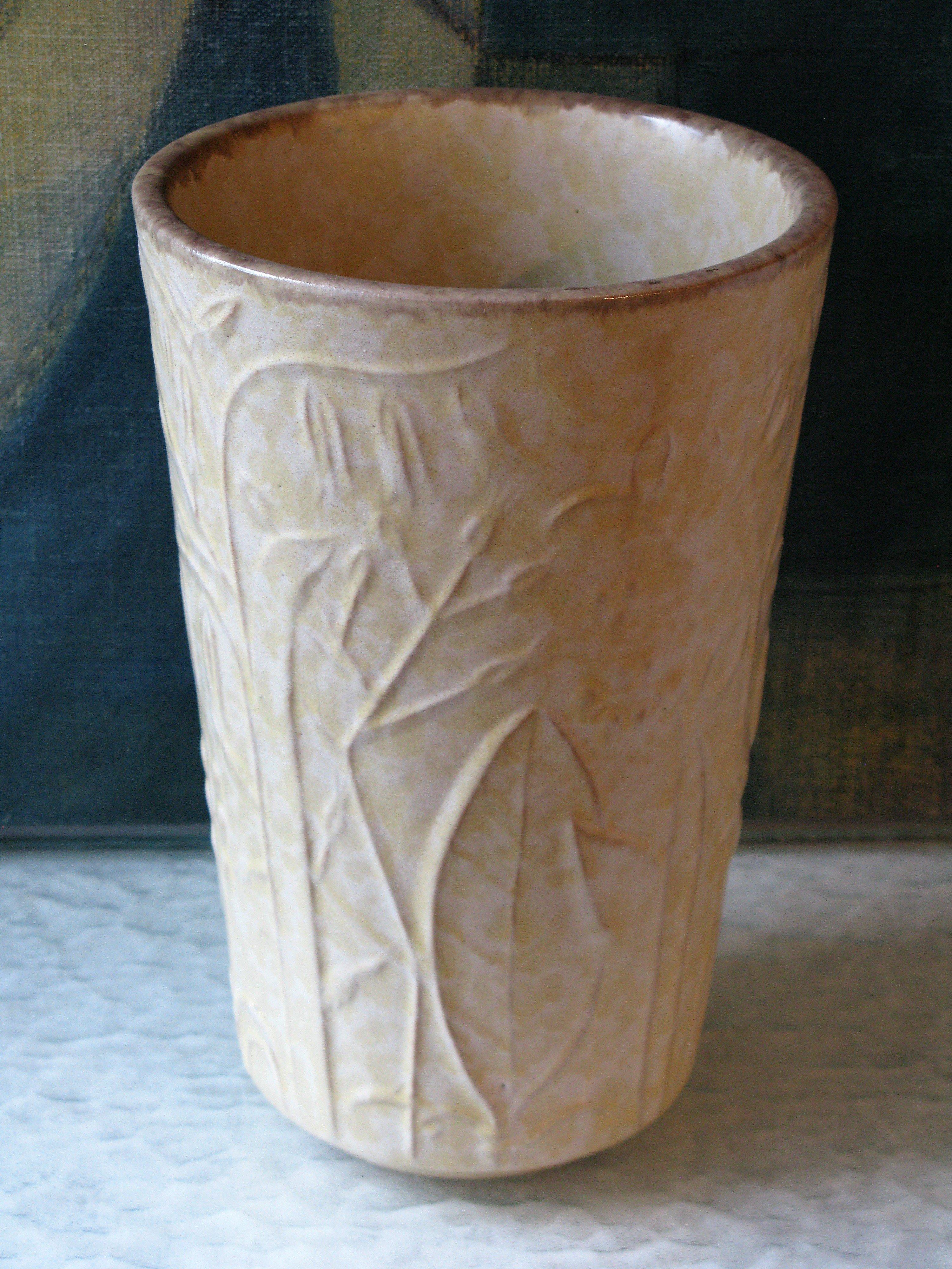 beige large vase 280