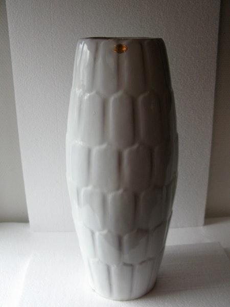 white floor vase 36