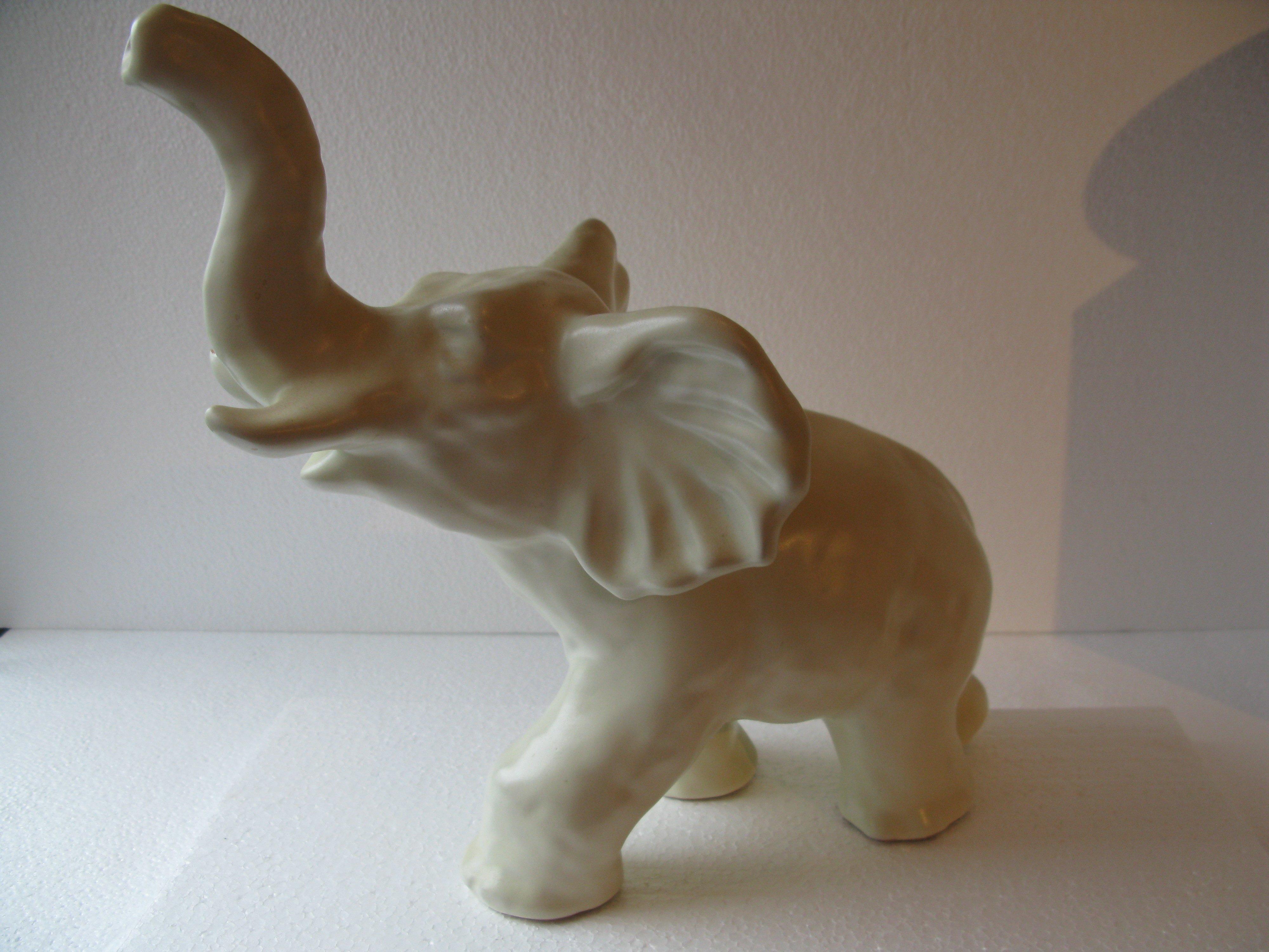 white elephant 102