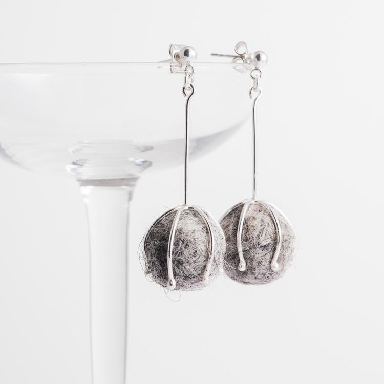 MADE BY LEENA - Ullbollar, örhängen i silver