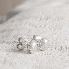 MADE BY LEENA - Öronstickare med silverkula