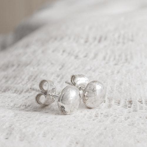 MADE BY LEENA - Örstickare med silverkula