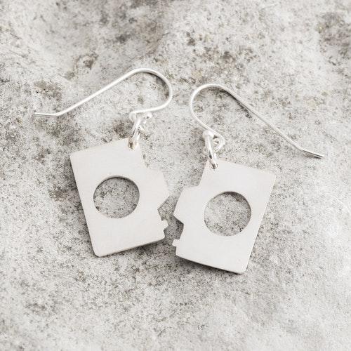 MADE BY LEENA - Kameror, örhängen i silver